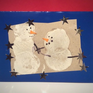 Have fun making these Potato Print Snowman Christmas Cards together, while practising motor skills like #PincerGrasp and #ScissorSkills http://sensationallearningwithpenguin.com
