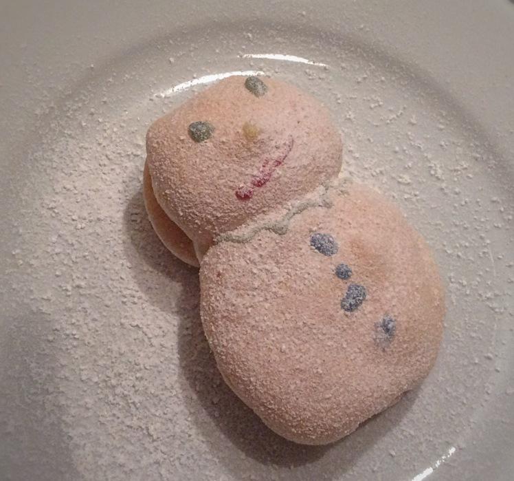 Meringue Snowman a la Big Cook Little Cook - Sensational Learning with Penguin #bakingwithkids #cookingwithkids #sensory #kitchenfun